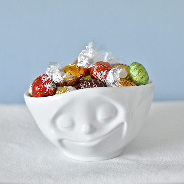 Bowl with a face - Filled with exclusive chocolate