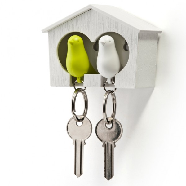 Sparrow - Birdhouse key cabinet with bird shaped keyrings