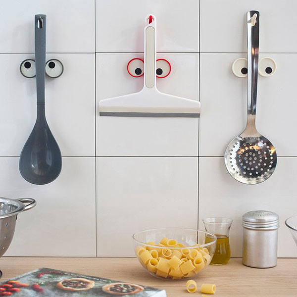 Look hook - Utensil holder with a twist